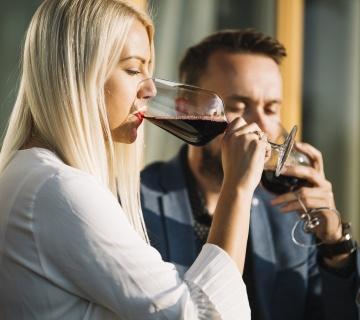 Може ли чаша вино на ден да го заштити вашиот слух?
